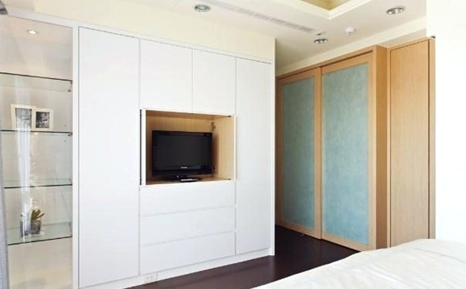 2017 Built In Wardrobes With Tv Space Inside Wardrobes ~ Modern Wardrobe With Tv Wardrobe With Tv Space Designs (View 15 of 15)
