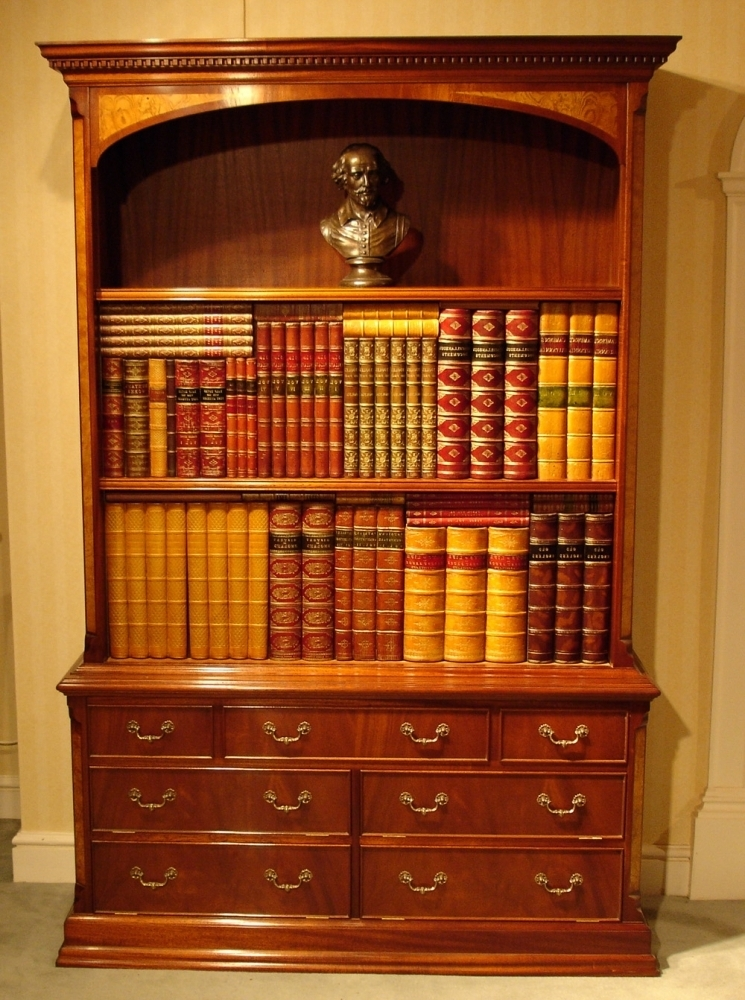 Bookcases Ideas: Amazing Mahogany Bookcase For Livingroom Solid Regarding Newest Mahogany Bookcases (View 1 of 15)