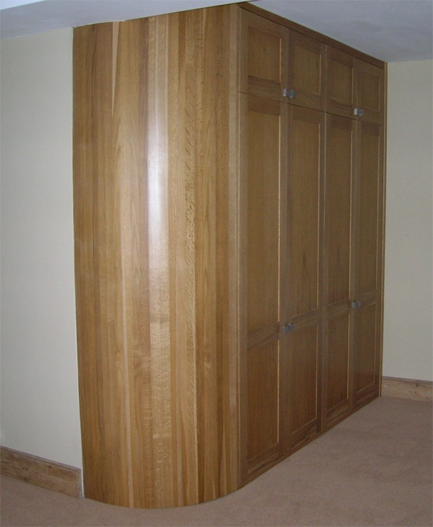 Curved Oak Wardrobe (View 2 of 15)