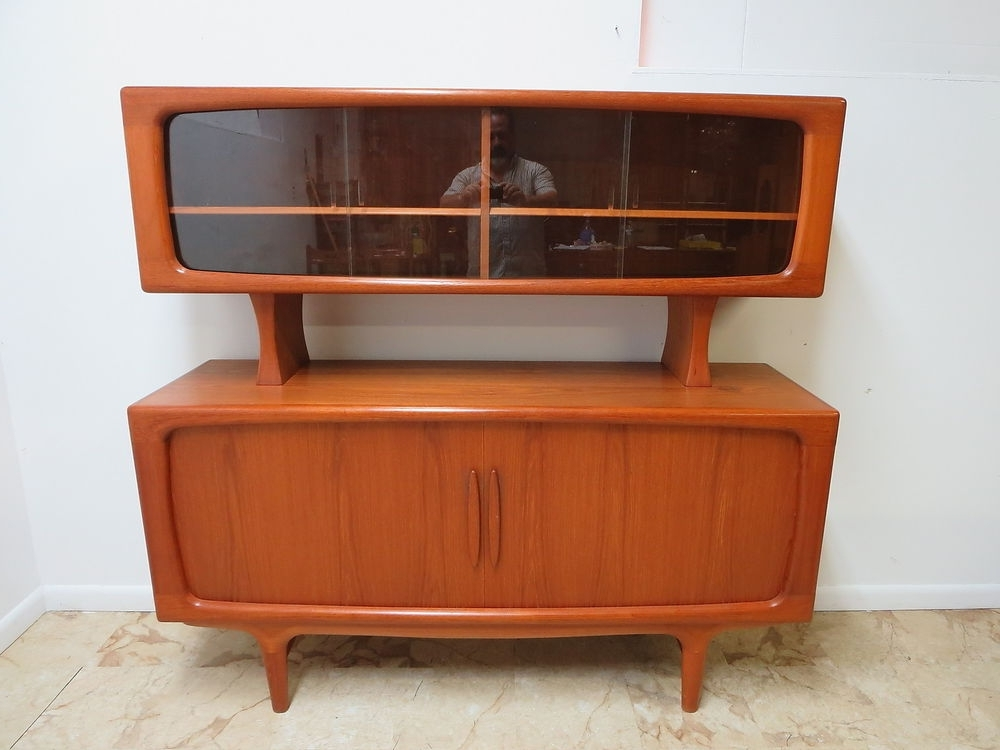 Danish Modern Teak Floating China Cabinet Hutch Sideboard Buffet Inside 2018 Modern Breakfront (Gallery 9 of 15)