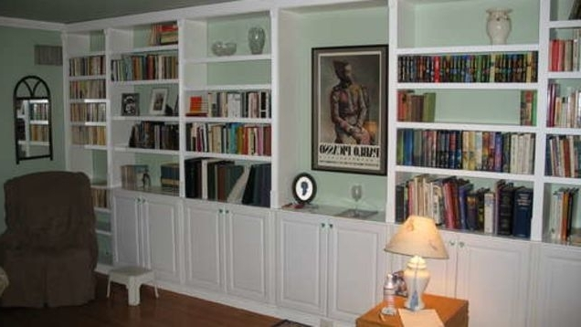 Fashionable Built In Bookshelves Kits In Get Built In Bookcases Inexpensivelyusing Pre Made Parts (View 10 of 15)