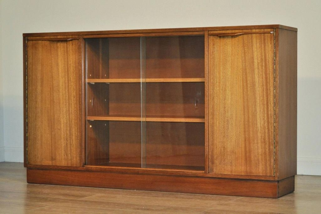 Long Low Bookcases With Regard To Current Short Long Bookcase – Makushina (View 12 of 15)