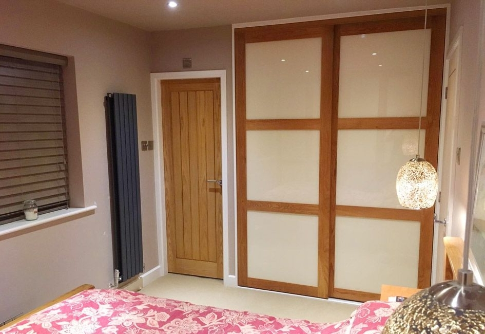 Newest Solid Oak Framed Wardrobe Doors (View 7 of 15)