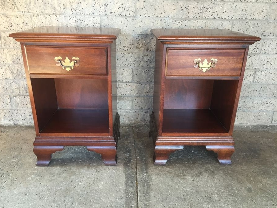 Pair Of Vintage Mahogany Night Standshungerford Memphis With Popular Hungerford Furniture (View 9 of 15)
