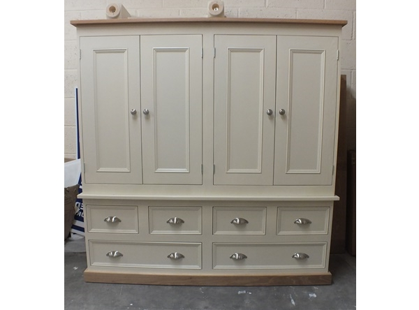 Rutland Painted 4 Door Larder/linen Cupboard With Spice Racks, Oak With Regard To Fashionable Oak Linen Cupboard (View 14 of 15)