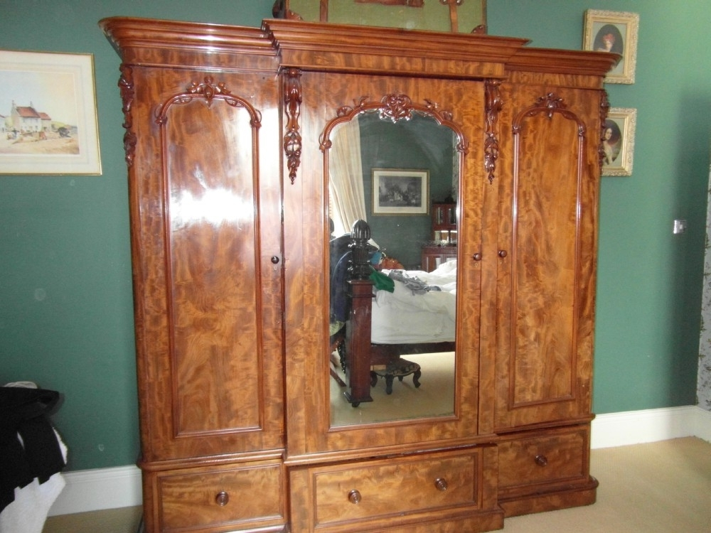 Sellingantiques Throughout Victorian Mahogany Breakfront Wardrobes (View 7 of 15)