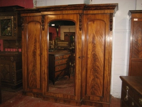 Trendy Victorian Mahogany Breakfront Wardrobes With Regard To Victorian Mahogany Breakfront Triple Wardrobe Antiques Atlas (View 8 of 15)