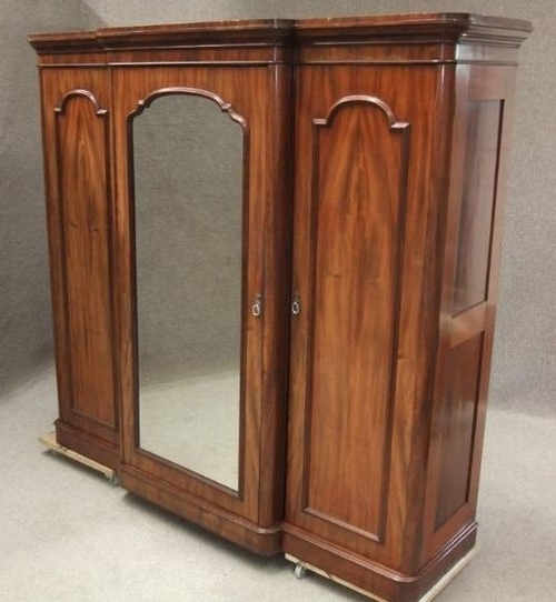 Wardrobe Furniture With Regard To Fashionable Victorian Breakfront Wardrobes (View 7 of 15)