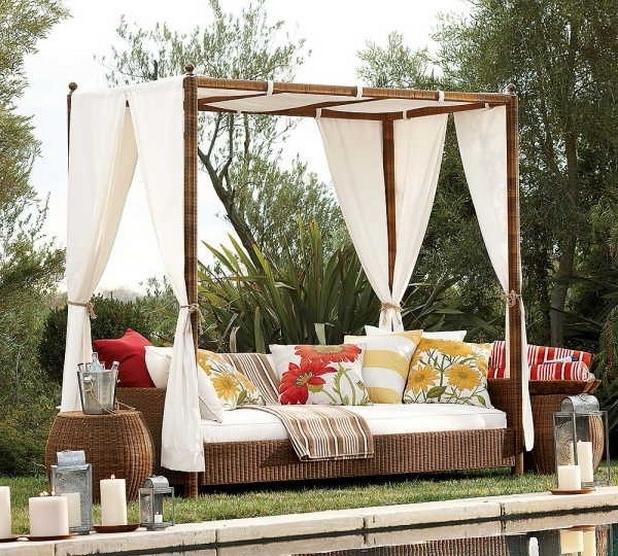 19 Delightful Outdoor Bed Designs For Ultimate Relaxation (View 1 of 10)