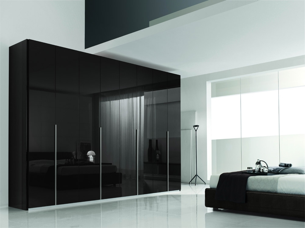 2017 Black Shiny Wardrobes Within Black Gloss Bedroom Design (View 2 of 15)