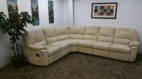 794  $100 Down  Cream Microfiber Reclining Sectional Sofa Inside Well Known Eugene Oregon Sectional Sofas (Gallery 10 of 10)