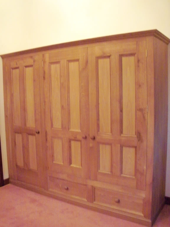 Bespoke Worcester Furniture Design And Creation Regarding Recent Large Oak Wardrobes (View 4 of 15)