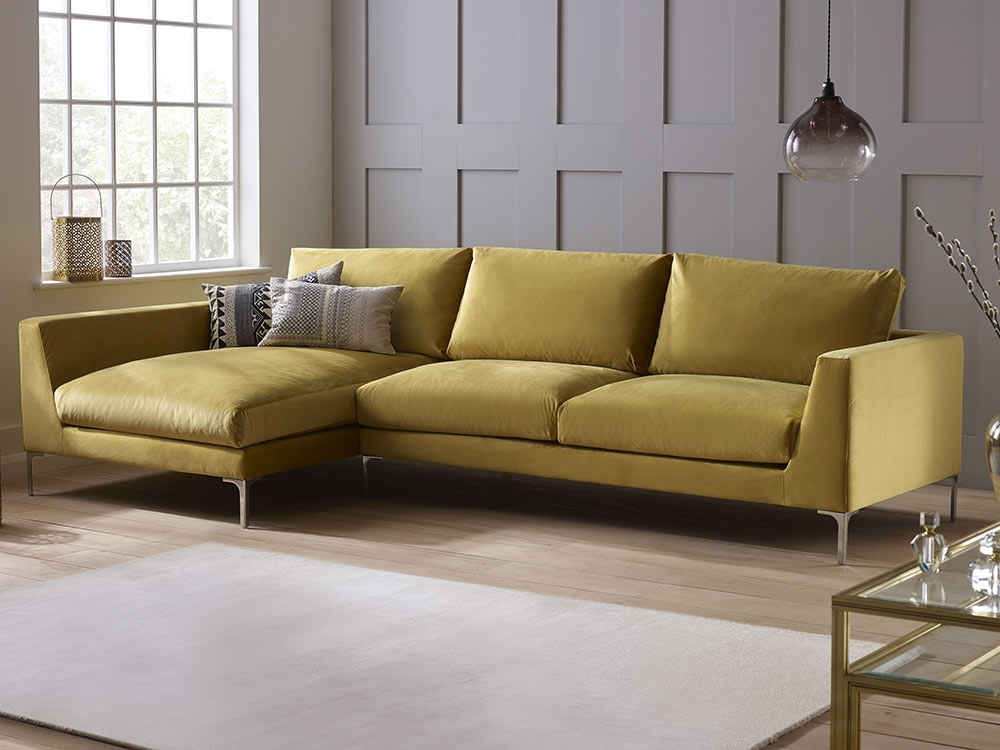 Best And Newest Sofas Throughout Velvet Sofas (View 2 of 10)