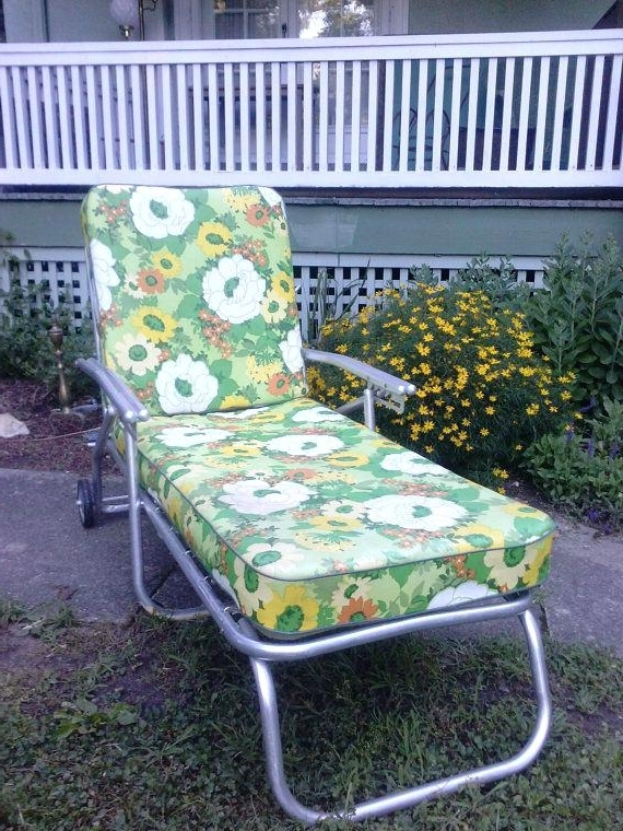 Chaise Lawn Chair Hold Vintage Mid Century Aluminum Chaise Lounge With Regard To Preferred Vintage Outdoor Chaise Lounge Chairs (Gallery 11 of 15)