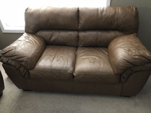 Clarksville Tn Sectional Sofas Regarding Famous Brown Leather 3 Seat Sofa W/ Love Seat (Furniture) In Clarksville (View 7 of 10)