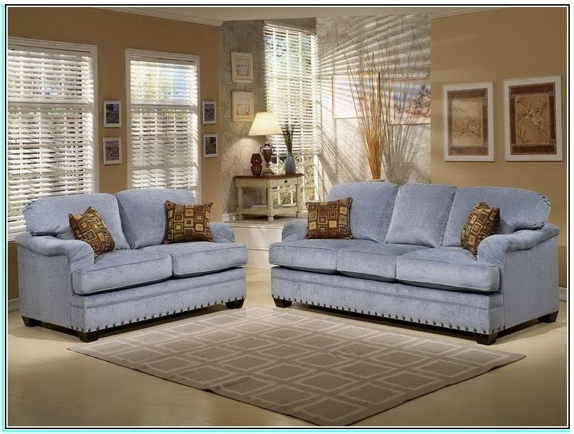 Country Style Sofa Canada – Torahenfamilia Different Types Of Regarding Favorite Country Style Sofas (View 4 of 10)