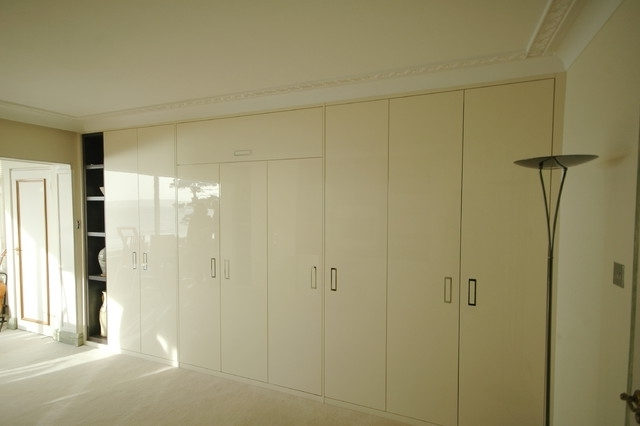 Cream Gloss Wardrobes Doors Within 2017 Devbespoke Oak Stained Veneer And Cream Gloss Lacquer Home Office (View 5 of 15)