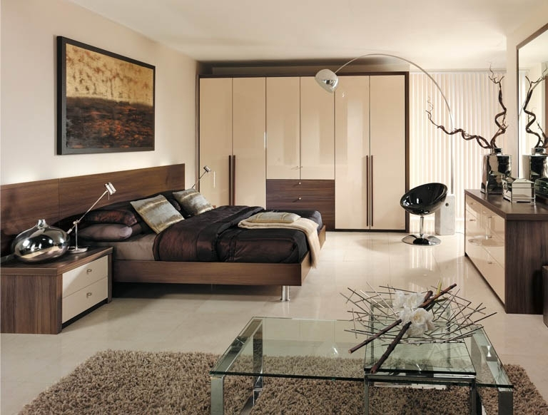 Cream Gloss Wardrobes Inside Preferred Contemporary Bedroom With Modern High Gloss Cream Wardrobes And (View 2 of 15)