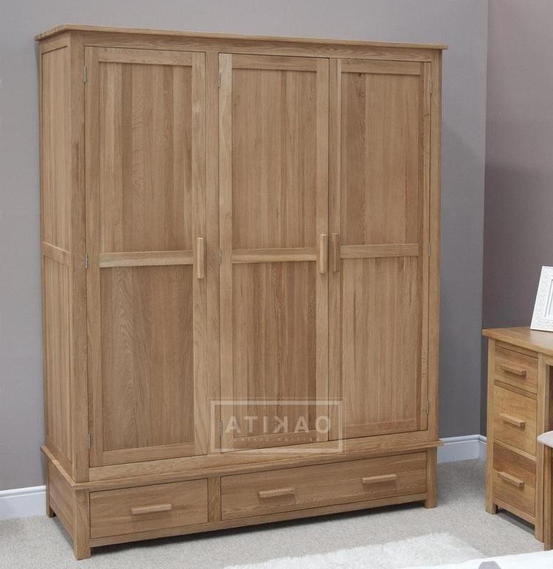 Current Edinburgh Solid Oak Triple Wardrobe – Oak Wardrobes – Oak With Regard To Oak Wardrobes (View 4 of 15)