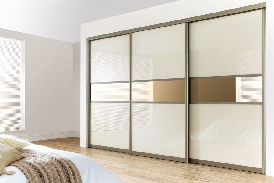Curved Bronze Frame With Pearl White Glass & Bronze Mirrors Throughout Most Recent Curved Wardrobes Doors (View 3 of 15)