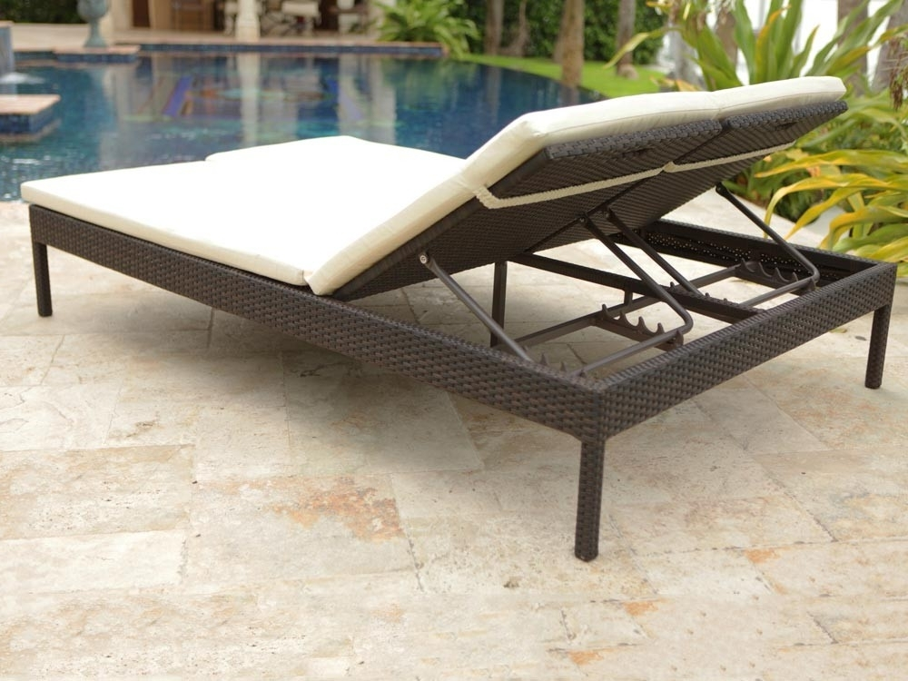 Double Chaise Lounges For Outdoor Regarding Well Known Brilliant Outdoor Double Chaise Lounge Building Double Chaise (View 9 of 15)