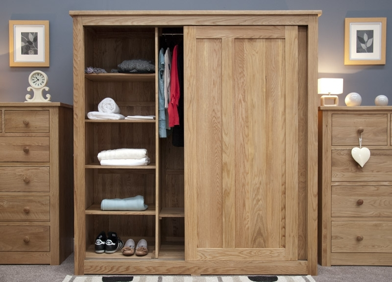 Famous Oak Large Triple Wardrobe Sliding Doors In Oak Wardrobes With Drawers And Shelves (View 14 of 15)