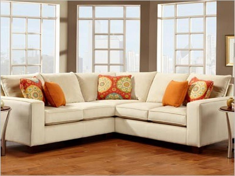 Fashionable Small Sectional Sofas For Small Spaces Regarding Sofa Beds Design: New Traditional Sectional Sofas For Small Spaces (View 8 of 10)