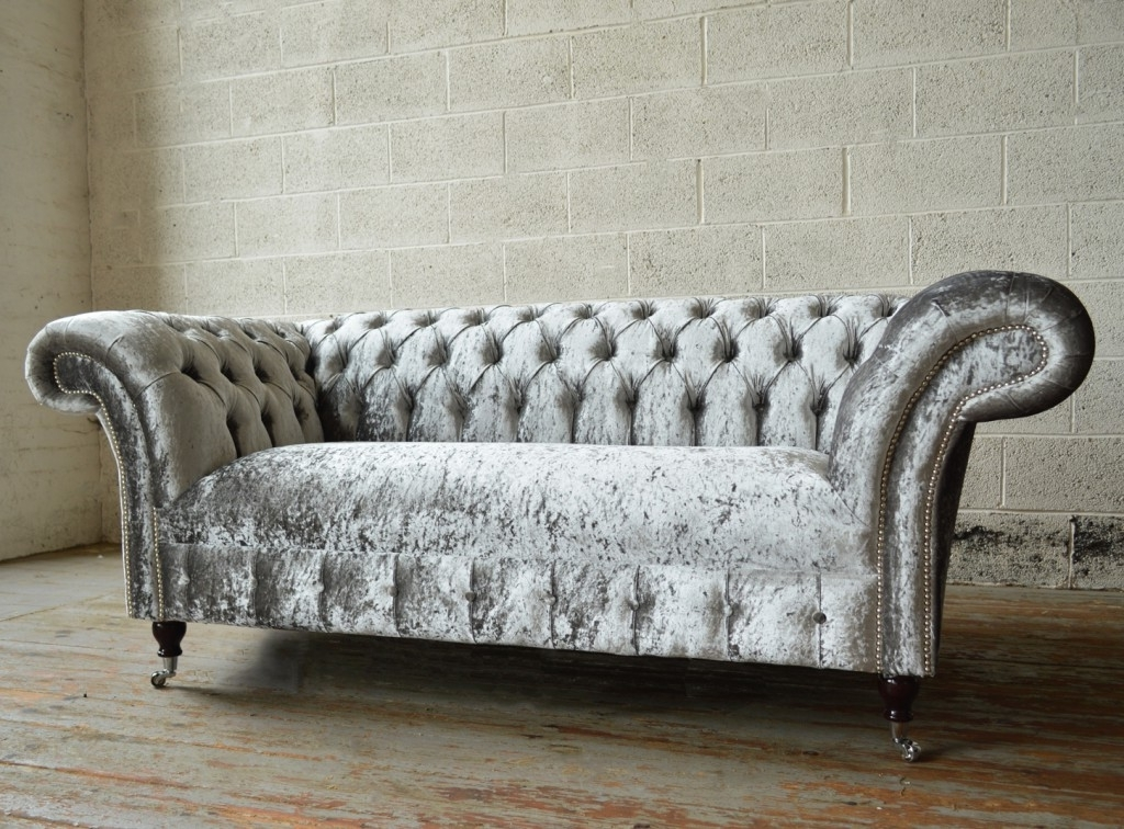 Fashionable Velvet Chesterfield Sofa — Fabrizio Design : Clean And Bright For Chesterfield Sofas (View 8 of 10)