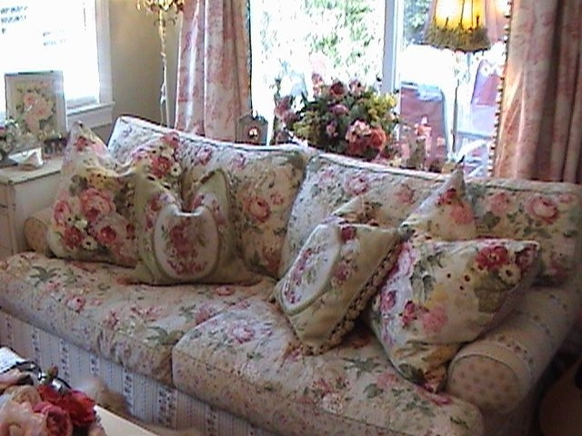 Favorite Talk About Chintz Something Very Comfortable And Cozy About Pertaining To Chintz Sofas (View 7 of 10)