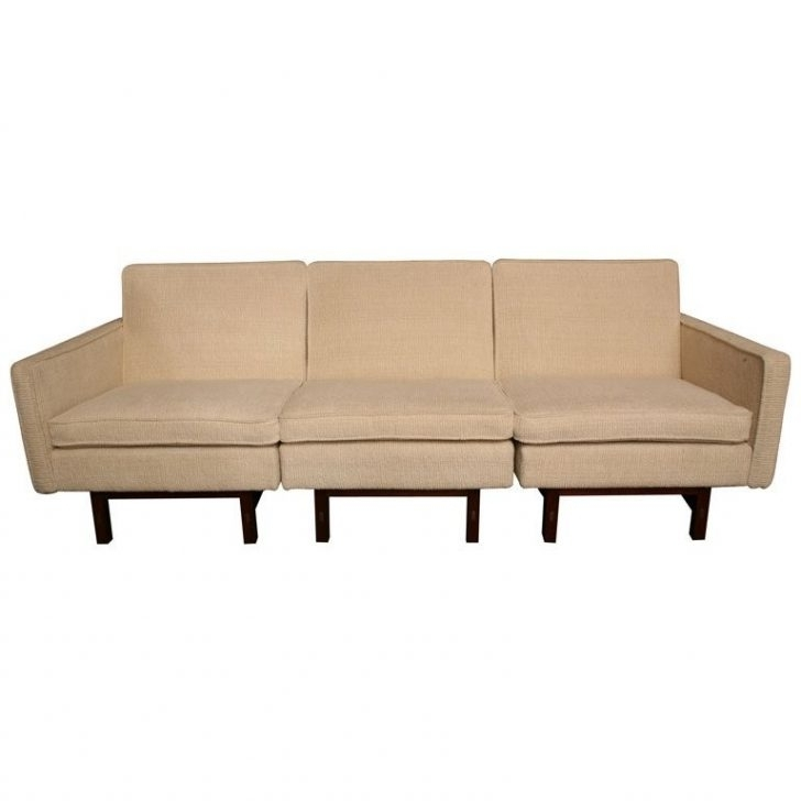 Fresh Sleek Sectional Sofa – Buildsimplehome For Best And Newest Sleek Sectional Sofas (View 1 of 10)
