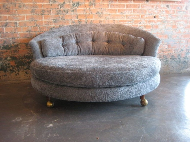 Gray Oversized Round Chair On Wheels With Tufted Back In Vintage In Trendy Round Chaises (Gallery 3 of 15)