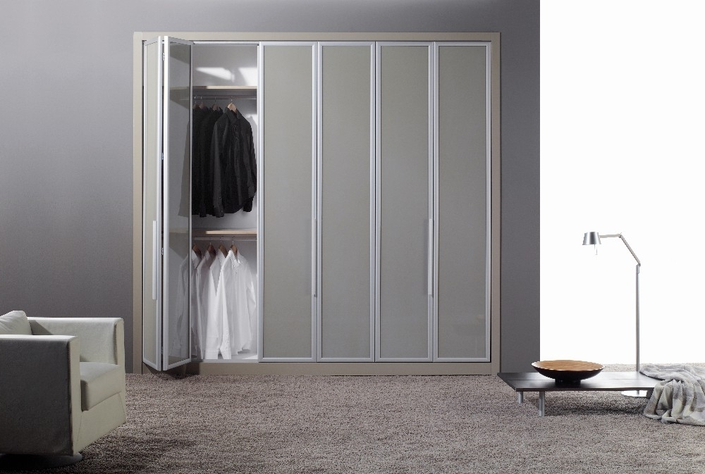 Latest Bi Folding Door Wardrobes (View 8 of 15)
