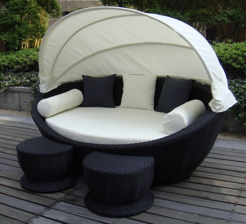 Latest Outdoor Sofas With Canopy Inside Super Cozy Outdoor Sofa With Canopy #wicker #outdoor #canopy (View 5 of 10)