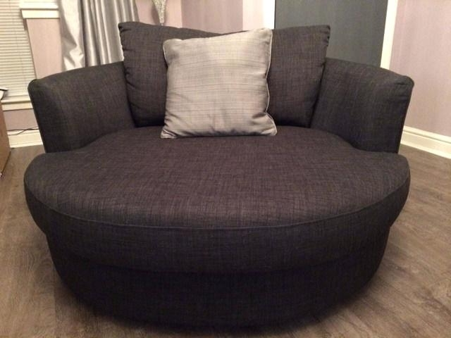 Latest Swivel Sofa Chairs Within Round Swivel Sofa Chair Photo 7 Of 9 Exceptional Big Sofa Chairs (View 5 of 10)