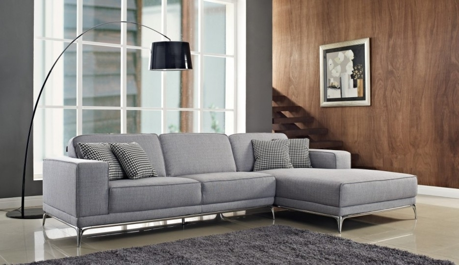 Light Grey Sectional Sofas Intended For Well Known Living Room: Wonderful Modern Grey Living Room Decoration Using (View 5 of 10)
