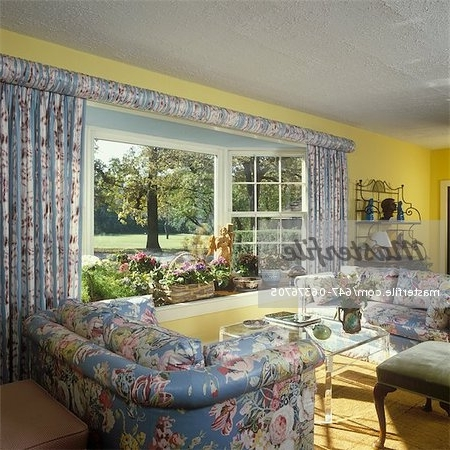 Living Room – Traditional Living Room – Floral Chintz Upholstered Within Most Popular Yellow Chintz Sofas (View 6 of 10)