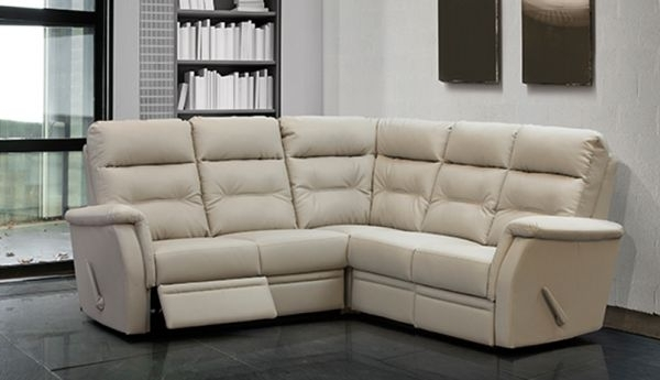 Milano Reclining Sectional Within Oakville Sectional Sofas (View 9 of 10)