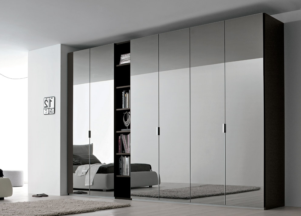 Mirrored Wardrobes Inside Trendy Advantages Of Mirrored Wardrobes – Bestartisticinteriors (View 7 of 15)