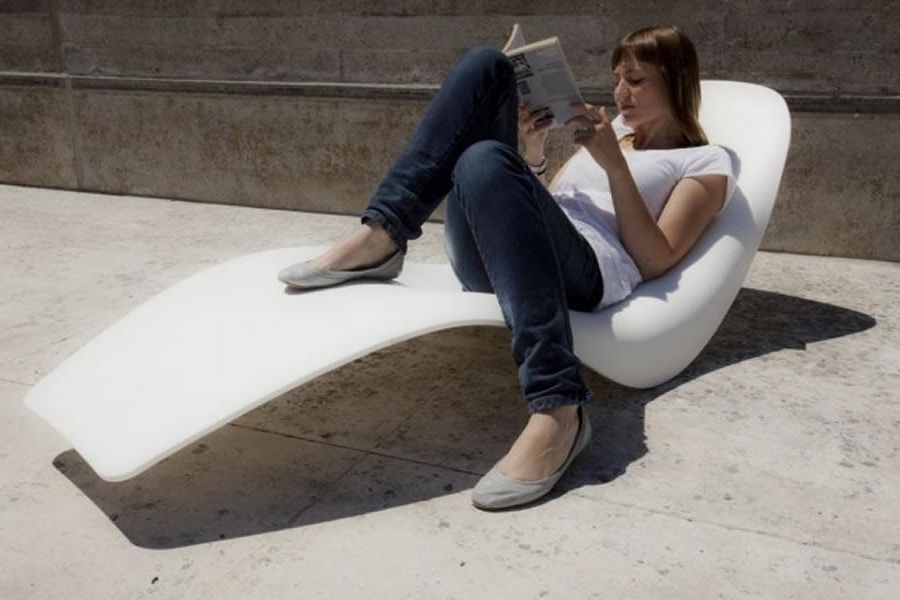 Modern Outdoor Chaise Lounge Chairs Intended For Favorite Outdoor Chaise Lounge Chairs (View 15 of 15)
