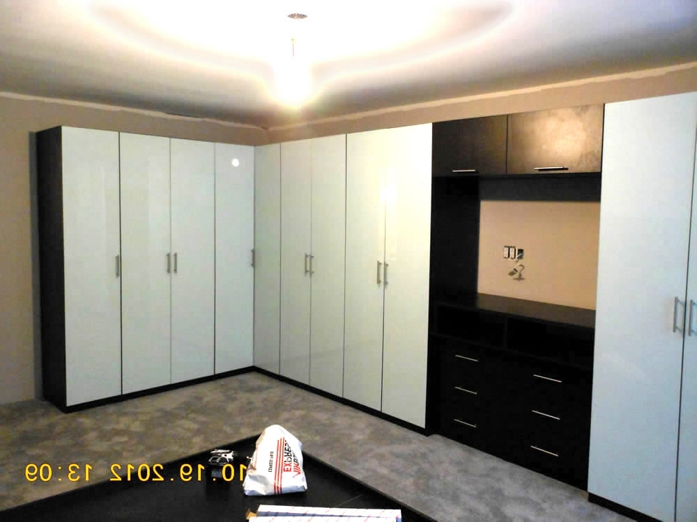 Most Popular Corner Wardrobe Cabinets In White – Contempo Space Blog Inside White Corner Wardrobes Units (View 6 of 15)