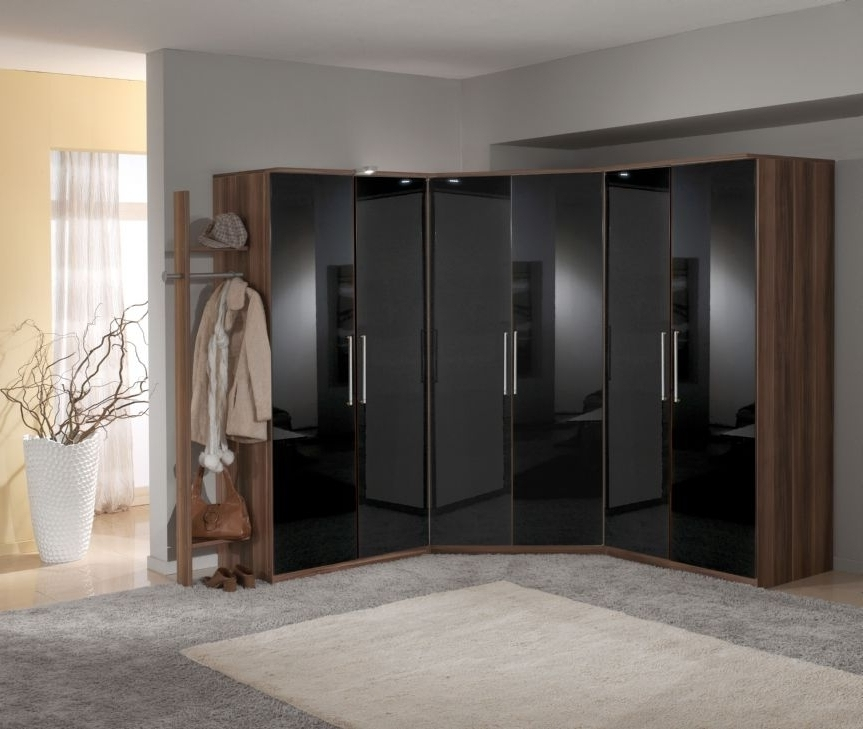 Most Popular Gloss Black Wardrobes Inside Elegant Gloss Door Wardrobes Inspirations (View 8 of 15)