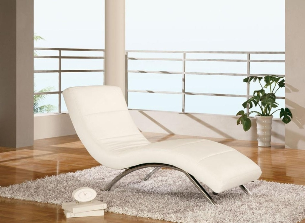 Most Popular White Chaise Lounge Chairs Regarding Modern Bedroom Ideas With Maple Wooden Floor And White Chaise (View 9 of 15)