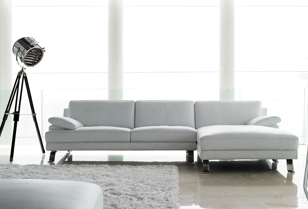 Most Popular White Leather Chaise Lounges Within White Leather Sofas, Leather Reclining Sofa With Chaise Leather (View 7 of 15)