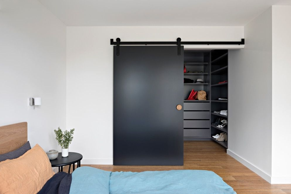 Most Recent Curved Corner Wardrobe Doors Ideas For Contemporary Closet With For Curved Corner Wardrobes Doors (View 11 of 15)