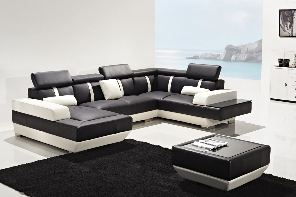 Most Recently Released Black And White Sofas Living Room (View 9 of 10)