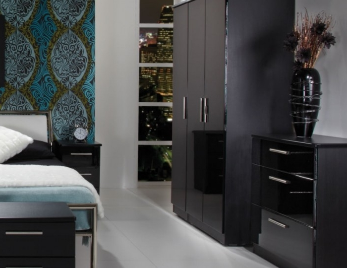 Most Up To Date 3 Door Black High Gloss Wardrobe For Black High Gloss Wardrobes (View 9 of 15)