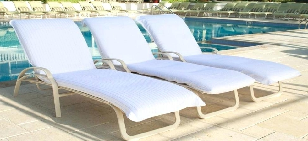 Featured Photo of Chaise Lounge Towel Covers