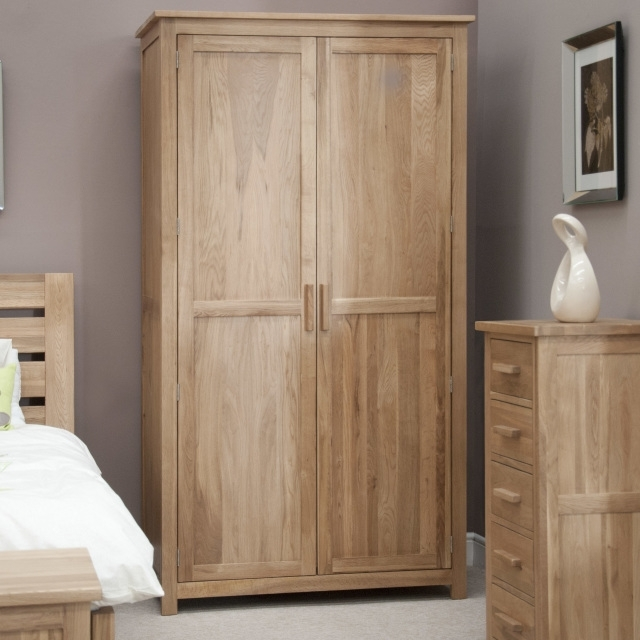 Oak Wardrobes With Popular Oak Wardrobes (Gallery 14 of 15)