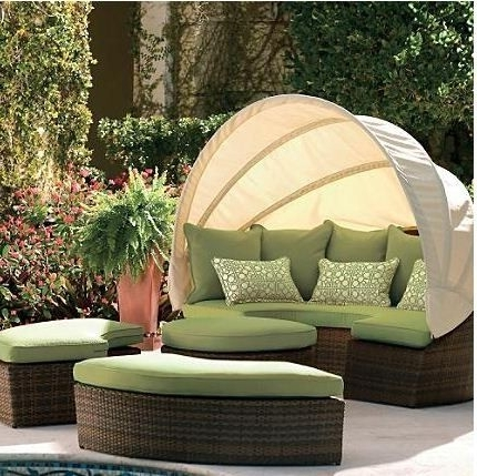 Outdoor Sofas With Canopy For Favorite Outdoor Wicker Sofa Set Round Sofa With Canopy (View 8 of 10)