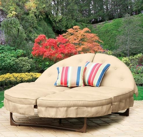 Popular Round Chaises For Round Outdoor Chaise Lounge Cushions (View 10 of 15)